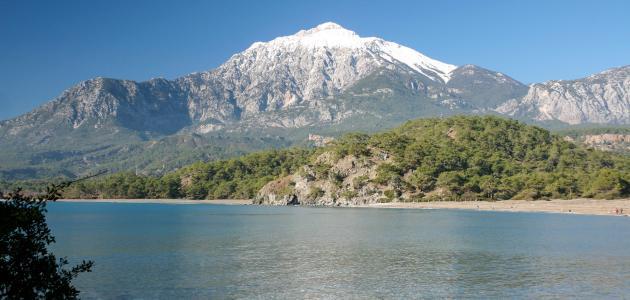 أين توجد سلسلة جبال طوروس