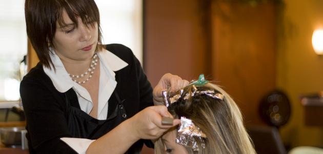 طريقة صبغ الشعر زيتي رمادي في البيت