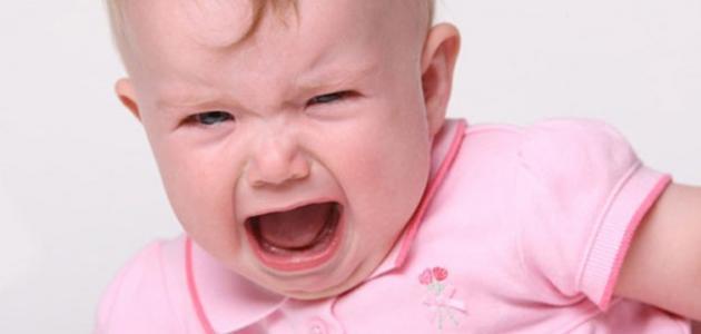 كيف تتعامل مع الطفل كثير البكاء