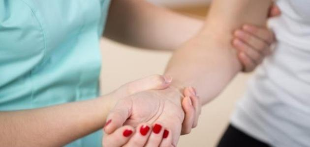 أعراض نقص الكالسيوم في الجسم