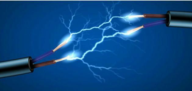 القوة الكهربائية