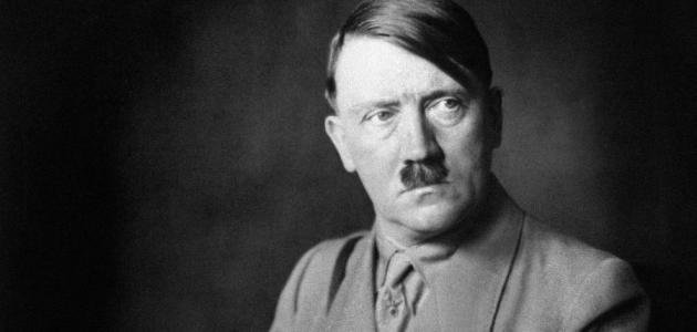 قصة هتلر بالتفصيل