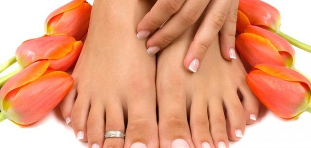إزالة الجلد الميت من القدمين