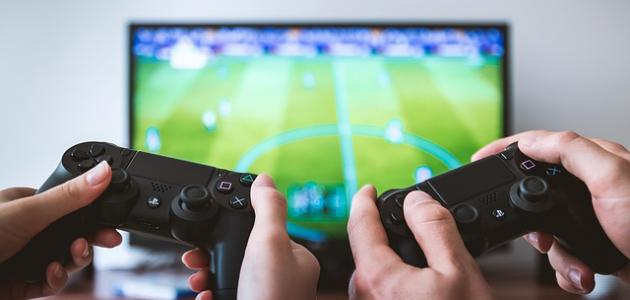 تعريف وفوائد وأضرار الألعاب الالكترونية موضوع