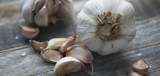علاج فطريات الأظافر بالثوم