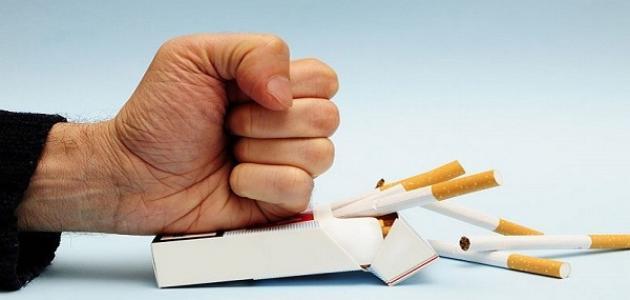 مقال نقدي عن التدخين موضوع
