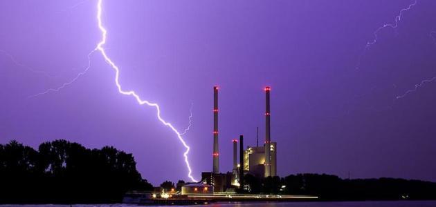 الفرق بين البرق والرعد