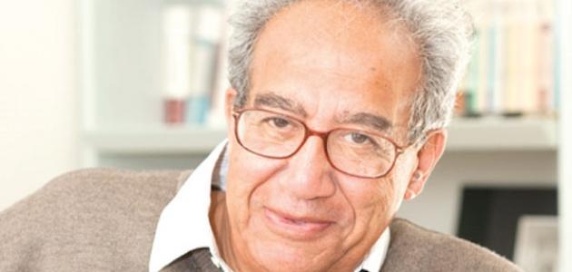 تعريف بالكاتب أحمد أمين