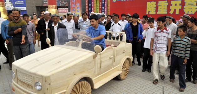 كيف تصنع سيارة من الخشب
