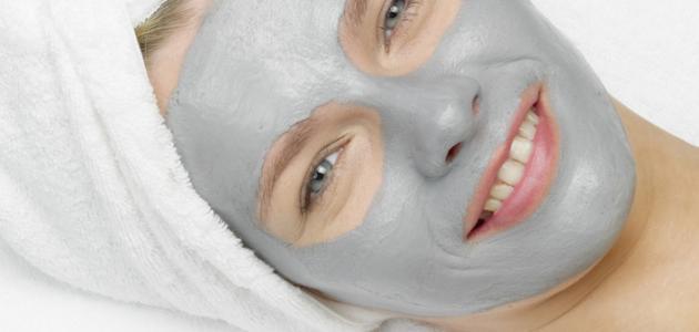 إزالة البقع السوداء عن الوجه