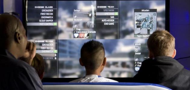أضرار الألعاب الإلكترونية وفوائدها موضوع