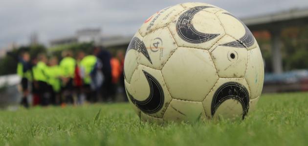 بحث عن كرة القدم بالانجليزي