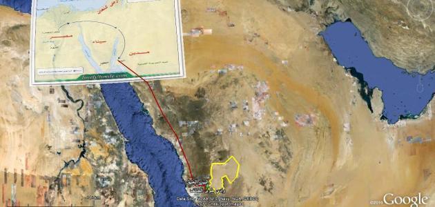 أين يقع مجمع البحرين