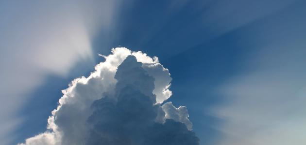 تتولى  الملائكة مهمة حراسة الإنسان وحمايته _الملائكة