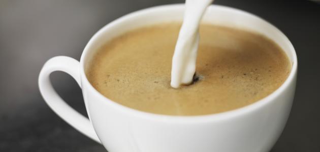 عمل القهوة باللبن