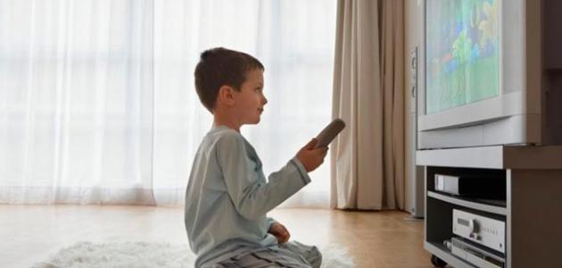 نتيجة بحث الصور عن أضرار التلفزيون على الأطفال