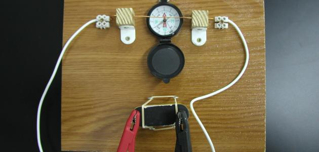 التأثير المغناطيسي على التيار الكهربائي موضوع
