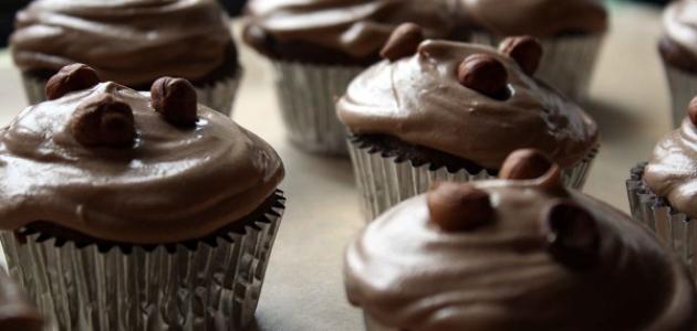 الكب كيك بصلصة الشوكولاته والتوفي الغنية