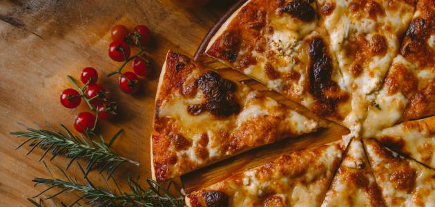 طريقة عمل عجينة البيتزا خطوة خطوة