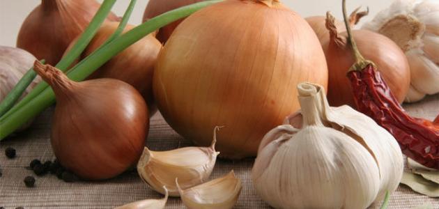 فوائد البصل والثوم للشعر