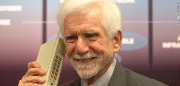 من الذي اخترع الهاتف