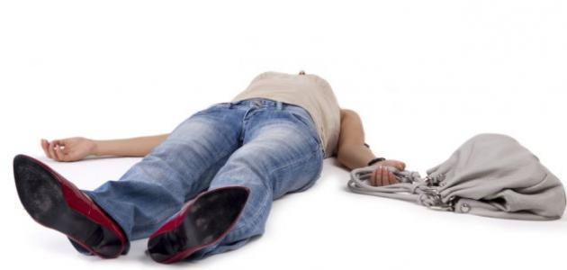 فوائد النوم على الأرض