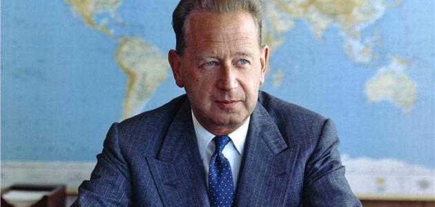 من الذي نال جائزة نوبل بعد وفاته