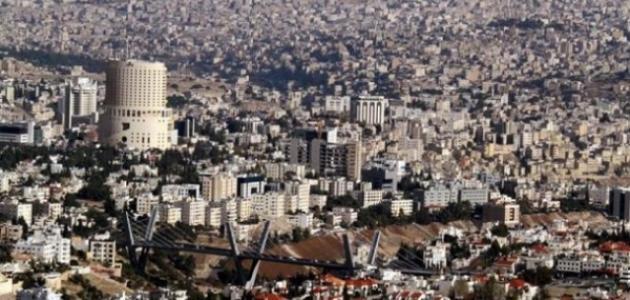 كم عدد سكان عمان