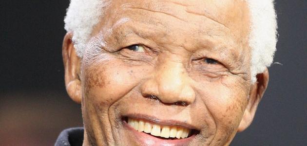 من هو نيلسون مانديلا