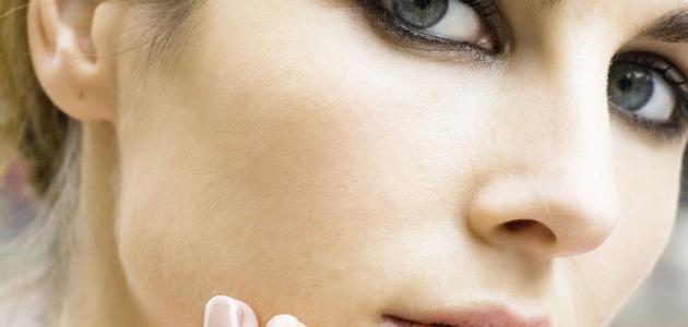 وصفة لإزالة البقع السوداء من الوجه
