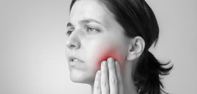 طرق لتخفيف آلام الأسنان