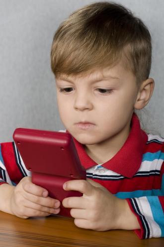 الالعاب الالكترونية الاطفال